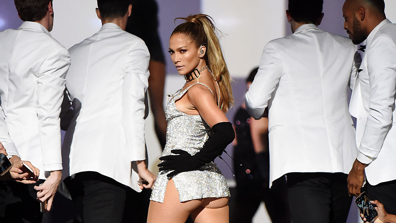 NEW YORK, NY - SEPTEMBER 09:  Jennifer Lopez performs onstage at Fashion Rocks 2014 at the Barclays center on September 9, 2014 in New York, United States.  (Photo by Jeff Kravitz/FilmMagic)