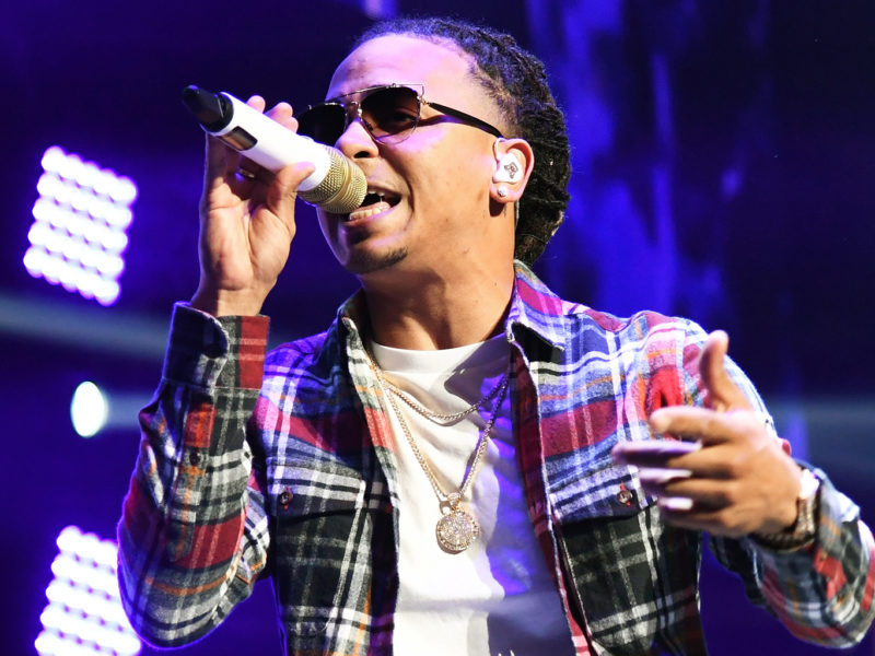 LAS VEGAS, NV - JANUARY 26:  Singer/songwriter Ozuna performs during Calibash Las Vegas at T-Mobile Arena on January 26, 2017 in Las Vegas, Nevada.  (Photo by Ethan Miller/Getty Images)